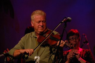 On stage Fiddle